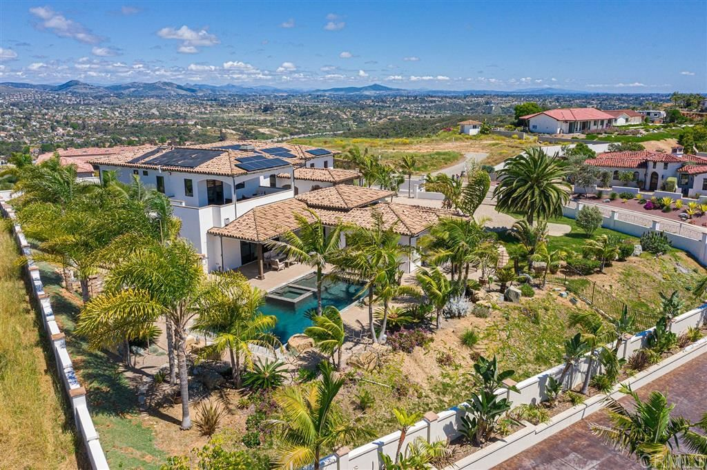 Encinitas                                                                      , CA - $3,950,000