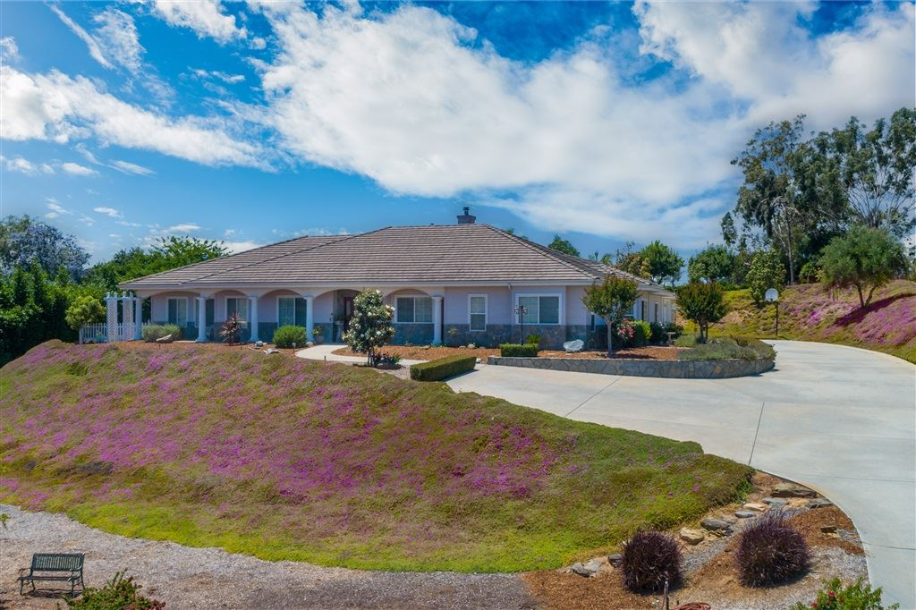 Fallbrook                                                                      , CA - $815,000