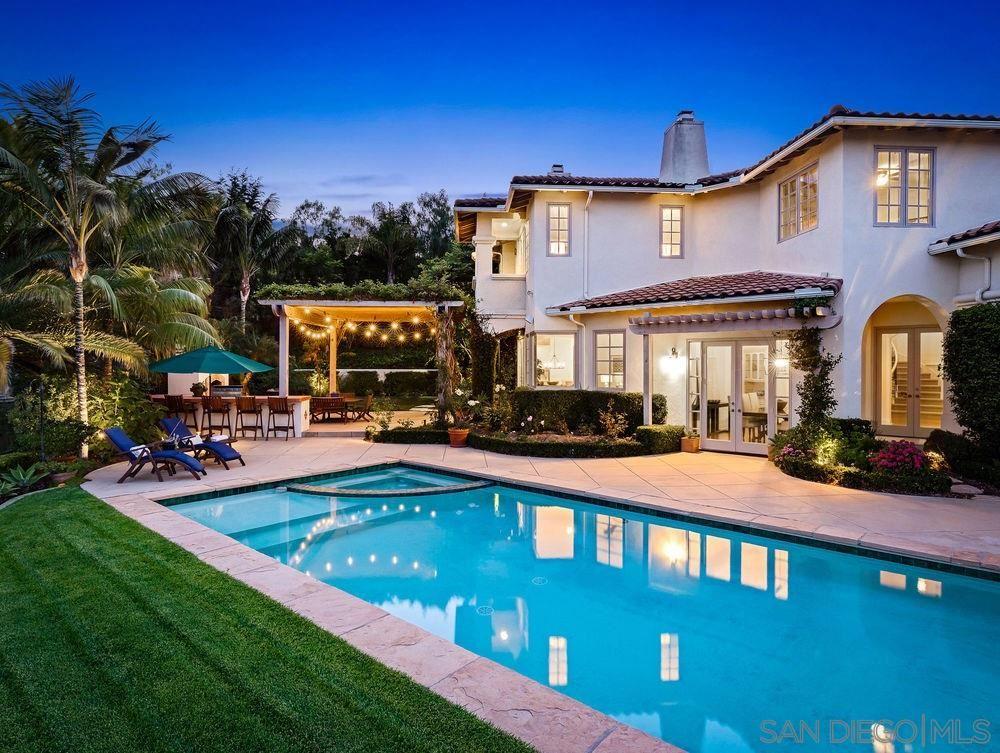 Encinitas                                                                      , CA - $2,725,000