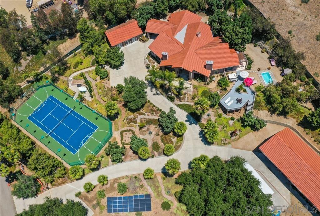Fallbrook                                                                      , CA - $1,275,000