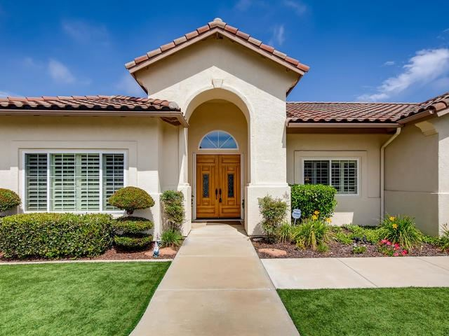 Valley Center                                                                      , CA - $1,116,000