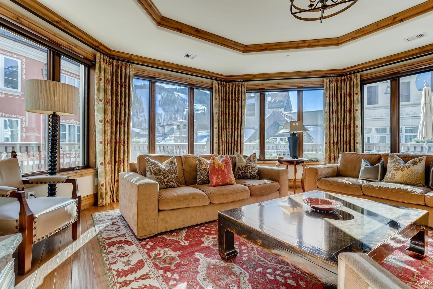 Vail                                                                      , CO - $6,995,000