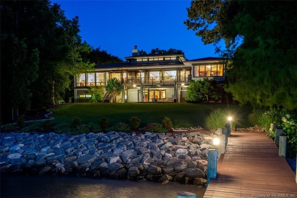 Williamsburg                                                                      , VA - $1,595,000